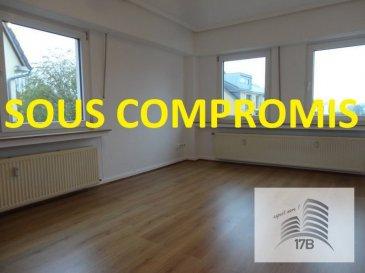 ***** SOUS COMPROMIS *****  Appartement avec une surface habitable de 55 m2 situé au 1ier étage dans une résidence de 3 unités, composé comme suit :  Hall d'entrée, séjour, cuisine, terrasse de 8 m2, 1 chambre et une salle de bain.  Le bien est complété par une cave.  Situation : bonne connexion au réseau des transports publics. Accès facile au distributeur d'autoroute. Crèche et école à proximité.  Pour tous renseignements supplémentaires ou pour convenir un rendez-vous pour une visite, veuillez nous contacter au (+352) 691 400 705 ou par email : info@17b.lu