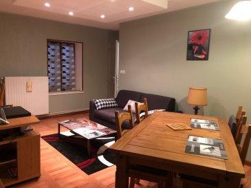 A LOUER A LUNEVILLE  Au 2 ème étage d'un petit immeuble, bel appartement de type F3 de 58m2, se composant, d'une entrée, de deux chambres, un débarras cellier, une beau salon séjour, une cuisine équipée et une salle d'eau.  Chauffage individuel au gaz