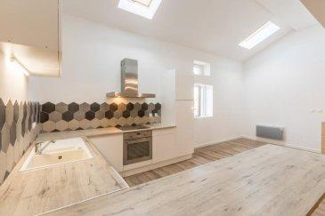 Julien vous propose en exclusivité cette coquette maison sans extèrieur située à Malancourt-la-Montagne !   Mieux qu'un appartement, une maison en triplex, vous offrant :   - en rez-de-chaussée, une entrée ainsi qu'une grande buanderie, vous y retrouverez également un accès à une cave.   - au premier étage, vous serez séduit par une vaste pièce de vie ouverte de 57 m2 avec une cuisine équipée et un wc séparé.   - au niveau supérieur, un pallier desservant 3 chambres, une salle bain avec douche et baignoire ainsi qu'un wc séparé.  Une belle rénovation réalisée cette année. A visiter sans tarder.  Copropriété de 3 lot.  0 euros charges/an