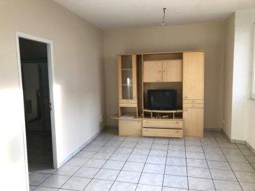 Appartement 2 pièces .  Au calme et proche commodités appartement F2 au RDC comprenant: Grande piéce de vie, chambre, salle de bains avec WC. Place de parking privée.