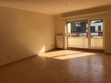 Tempocasa Strassen vous propose en exclusivité ce bel appartement situé à proximité des thermes à Mondorf. Il se compose d'un hall d'entrée, dune cuisine indépendante, séjour avec balcon, une chambre avec balcon également, salle de bain et WC séparé. Il bénéficie également d'une buanderie commune , d'une cave et d'un garage fermé. Disponible pour le 1er novembre.