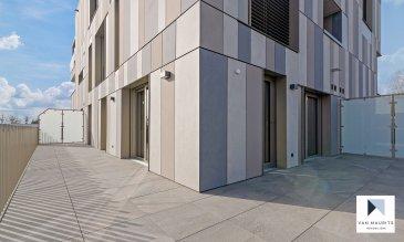L'appartement, se situe dans le paisible village de Contern, dans la résidence ORFEO composée de 7 unités, dit «de luxe», construite avec des matériaux de qualité en 2021 et bénéficiant de tout le confort moderne. La résidence est ultra sécurisée avec système de badges pour ouvrir les portes et est dotée d'un système de caméras surveillance dans les parties communes.  L'appartement de ±63,36m² situé au rez-de-chaussée se compose comme suit: la porte blindée en cinq points s'ouvre sur un hall ±10m², avec placards intégrés sur mesure, donnant accès à un séjour de ±13m², et une cuisine semi ouverte de ±12m² et totalement équipée SIEMENS (frigidaire, congélateur, évier, plaque de cuisson, hotte à charbon …): une grande terrasse de ±66m²englobant l'appartement et orientée Sud et Est; une chambre de ±10m²; une seconde chambre de ±14m²; une salle douche de ±5m² avec lavabo, miroir, douche à l'italienne et wc,  Au sous-sol, une cave servant également de buanderie privative est incluse dans le loyer. Une place de parking peut être louée pour 150-€ par mois,  L'appartement peut convenir pour une profession libérale et cabinet médicale;  Généralités:  Vidéophone; Fibre optique; Chauffage au sol; Performances énergétiques: AAA; Triple vitrage; Stores à lamelles électriques; Ascenseur; Porte blindée en 5 points; Pas de clé, accès à l'ensemble de la résidence par badge; Wifi et abonnement TV (Eltrona) inclus dans les charges; Place de parking dans garage sécurisé en option pour 150-€/mois; VMC «PAUL», les filtres peuvent être adaptés contre certaines allergies; 10 minutes de Luxembourg-ville; Station de bus à proximité;¨ Nouveau centre commerciale de Contern à proximité avec supermarchés, restaurants, …  Loyer: 1800-€/mois; Charges: 250-€/mois (inclus abonnement wifi, abonnement tv, charges communes, consommation eau, consommation chauffage, nettoyage des communs, gérance, assurance locative); Garantie bancaire ou dépôt: 3 mois de loyer; Disponibilité: 1er Avril 2021; Durée de ba