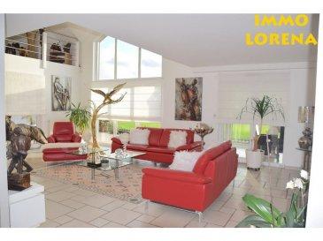 L'agence IMMO LORENA de Pétange en collaboration avec FRONGIA SARL Agence Immobilière a choisi pour vous cette SUPERBE MAISON INDIVIDUELLE à CRUSNES (FR) construite en 2008 et située à 10 mn d'Esch sur Alzette !! Sur un terrain de 5 ares 36 ca, venez découvrir cette très belle maison individuelle de 175 m² construite avec des matériaux de qualité.  Elle se compose de la manière suivante : - Au sous sol : un espace sous-sol avec un garage pouvant accueillir deux voitures, local chaufferie et buanderie, des placards de rangements.  AU REZ-DE-CHAUSSÉE : - Hall d'entrée de 3,70 m2,WC séparé de 1,19 m2, jolie cuisine séparée (avec cellier)  et entièrement équipée 14,90 m2, avec accès à la véranda de 25 m2, un chaleureux et spacieux double living de 41,29 m2 avec jolie cheminée au bois, donnant accès à la terrasse et au jardin sans vis-à-vis.  DEMI NIVEAU::  -Hall de nuit amenant à la chambre parentale de 14,20 m2 équipé d'un dressing de 2,50 m2, une deuxième chambre de 11 m2  ainsi qu'une salle de douche de 7,97 m2, un WC séparée .  AU PREMIER ETAGE: La maison dispose d'une magnifique MEZZANINE de 25 m2 amenant au coin bureau et à la troisième chambre équipée d'un dressing, une salle de bain avec douche et un débarras.  La maison vous séduira par ses belles prestations et finitions.   CARACTERISTIQUES DE LA MAISON :  - Matériaux de qualité ,  - Maison lumineuse et ouverte sur un magnifique jardin calme et relaxant, jolis espaces à vivre, grand garage, excellent état général. - Quartier calme.  - Deux portes de garage sectionnelles électriques,  - Alarme. - Vide Sanitaire   A VOIR ABSOLUMENT!!!!!!!!!!  TAXE FONCIERE: 1507 euros TAXE D'HABITATION: 1500 euros  3% du prix de vente à la charge de la partie venderesse   TVA Pas de frais pour le futur acquéreur.                      Pour tout contact: Joanna RICKAL:  352 621 36 56 40 Vitor Pires:  352 691 761 110 Kevin Dos Santos:  352 691 318 013  L'agence Immo Lorena est à votre disposition pour toutes vos recherches ainsi qu
