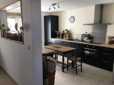 Maison Missillac 5 pièce(s) 110 m2. HYPER CENTRE MAISON BEAUCOUP DE CHARME offrant au rez de chaussée une pièce de vie avec cuisine aménagée et équipée, un salon, un wc avec espace cellier.<br/>A l\'étage un palier/couloir desservant 3 belles chambres sur parquet, une salle de bain/wc.<br/>La maison dispose d\'une cave.<br/>Extérieur : joli jardin clos et sécurisé de 224m² environ avec portail électrique et  coin terrasse avec possibilité de stationner véhicule.<br/>AGENCE IGOR IMMOBILIER MISSILLAC<br/>Tel 02.40.90.17.82.<br/> dont 4.17 % honoraires TTC à la charge de l\'acquéreur.