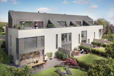 Lorentzweiler  Résidence «MISTRAL», 38-40 route de Luxembourg, prochainement en construction.   Le projet se compose de quatre maisons bi-familiales (8 duplex) à 2 ou 3 chambres certains avec bureau. La construction envisagée porte sur deux étages habitables à basse consommation d'énergie « classe A pour l'énergie primaire et classe B pour l'isolation thermique » . Chacun des 8 appartements en duplex bénéficient d'une belle utilisation de l'espace et de la lumière.  Situé en retrait de la route de Luxembourg, vous aurez accès à toutes les commodités: -  à proximité du coeur de Lorentzweiler et des centres commerciales de Mersch à proximité l'autoroute à seulement +/- 1 km de la gare, de l'école fondamentale, des crèches et maison relais   Afin de permettre à ses résidents de jouir de la beauté du cadre environnant, tous les duplex disposent un jardin privatif et une terrasse/balcon ensoleillé(e).  La répartition du duplex est comme suit: séjour, salle à manger et cuisine WC séparé Débarras/Cellier - 2 ou 3 chambres  - 1 salle de douche - 1 salle de bain  terrasse/balcons  Au sous-sol, un emplacement intérieur et une cave par logement, ainsi que les locaux poubelles, poussettes et/ou vélos, buanderie et chaufferie commune.   Un deuxième emplacement à l'extérieur par logement inclus dans le prix de vente.  Prestations : Classe énergétique A/B, fenêtres Alu triple vitrage, fermeture  centrale des volets, chauffage au sol.  Les appartements sont livrés clés en main.  Pour toutes informations :  Tel : +352 277 50 40 ; info@aexus.lu Vente exclusive par AEXUS REAL ESTATE. Découvrez tous nos biens sur www.aexus.lu  Aexus real estate est membre de la Chambre Immobilière du Grand-Duché de Luxembourg (seul organisme accrédité par l'état pour la certification des agents immobiliers) et travaillons dans le respect de leur code de déontologie, gage de qualité des services et de sériosité.  Si vous souhaitez vendre ou louer votre bien, profitez-vous aussi de notre expérience et co