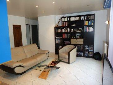 L\'Ile d\'Offard - Spacieux appartement avec garage - 2 chambres. Situé au coeur d\'un secteur très prisé de Saumur, cet appartement en excellent état est situé au 1er étage d\'une immeuble très bien entretenu.<br/>Spacieuse pièce de vie avec sa cuisine équipée et aménagée ouverte et son insert en état de fonctionnement. Chacune des deux chambres dispose de sa salle de douche privative.<br/>Pour compléter le tout, vous  bénéficierez d\'une grande cave (21m²) ainsi que d\'un garage fermé et indépendant aux beaux volumes (32m²).<br/>Le montant des charges de copropriété s\'élève à 610€/an.<br/>Pour toute information complémentaire, vous pouvez contacter Laurent AUBERGER, agent commercial en immobilier immatriculé sous le n°525 067 476 au RSAC d\'Angers.<br/>Visites uniquement sur rendez-vous dans le respect du protocole sanitaire en vigueur.<br/> dont 5.74 % honoraires TTC à la charge de l\'acquéreur.<br/>Copropriété de 25 lots (Pas de procédure en cours).<br/>Charges annuelles : 610.00 euros.