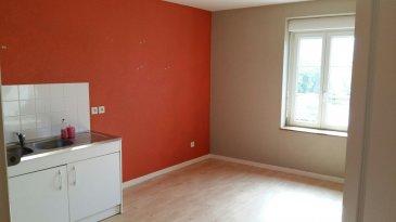 Appartement Mance 3 piece(s) 89 m2. Dans résidence au calme, appartement comprenant entrée avec placard, cuisine, séjour, 2 chambres, sdb, toilettes, cave et place de stationnement privative.<br/>Disponible de suite.<br/>Loyer: 610€ + 45€ de charges