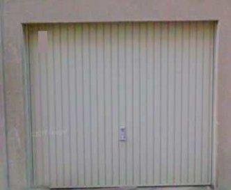 Aux terrasses de l\'Europe, A LOUER un garage fermé extérieur.<br><br>+ Disponibilité : IMMEDIATE<br>+ Loyer : 135 EUR/mois<br>+ Charges : 15 EUR/mois<br>+ Frais d\'agence : 158 EUR TTC