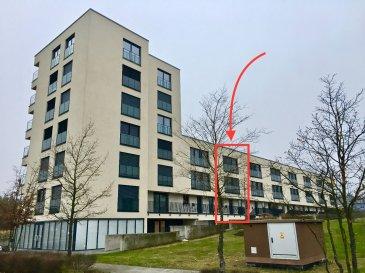 Lumineuse maison contemporaine avec 4 chambres à coucher se composant comme suit:  Sous-sol: - 2 emplacements de parking privatifs en dessous de la maison - cave avec buanderie (emplacement pour lave et sèche linge) - coin vestiaire  Rez-de-chaussée: - Hall d'entrée - WC séparé - Cuisine entièrement équipée - Grand living / salle à manger avec accès sur la grande terrasse de ±40m2 (portes coulissantes) orientée sud-ouest sans vis-à-vis  1ier étage: - 1 grande chambre à coucher avec son dressing, sa salle de douche et WC en suite - 2 chambres à coucher  - salle de douche avec WC  2ième étage: - 1 grande chambre à coucher / master bedroom - salle de douche avec lavabo et WC - 1 grande pièce multifontionnelle pouvant servir comme bureau/chambre à loisirs comme p.ex bibliothèque, salle de jeux avec accès sur la 2ième terrasse privative de ±22,50m2 orientée sud-ouest sans vis-à-vis et offrant une vue dégagée sur la verdure et alentours.   Quartier prisé en pleine évolution offrant un cadre de vie adapté et varié.  Toute commodité à quelques minutes de la maison:  - Shopping Center (Belval Plaza) - Université / site de Belval (uni.lu) - Supermarché Delhaize ouvert 7/7j - Ecole primaire / Lycée Belval - Rockhall, Fitness, Restaurants et Bars - Administrations, Bureaux - Bonne accessibilité au réseau des transports en commun et autoroutier  Adresse: 153, rue Waassertrap L-4408 Belvaux / Belval