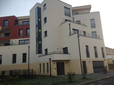 Dans une résidence de standing, appartement neuf offrant hall, cuisine, séjour, cellier, wc, salle de bains, 2 chambres, pour une surface habitable de 88,92m². Cave et place de stationnement en sous-sol. Copropriété de 45 lots. Lot 11 appartement pour 519/10000ème des PCG. Cave lot 37 pour 6/10000ème des PCG. Place de stationnement lot 24 pour 23/10000ème des PCG. Charges annuelles 673€  AGORA BRIEY : 03.82.20.25.26