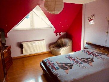 Maison 7 pièces 172 m². En Exclusivité  <br>Affaire suivie par Catherine BEYER au 06.36 74 38 61<br><br>A Rhinau, dans un lotissement au calme nature et commodités à 30 mn de Strasbourg et 15 MN d\'Erstein.<br>Maison de 172 m2 sur 6,51 ares de terrain arborés et clôturés, répartis comme suit :<br><br>Rdc : double séjour lumineux(40 m2) avec baie vitrée donnant accès à la terrasse de plus de 30 m2 exposée sud. Entrée avec placards, cuisine équipée avec accès terrasse, une salle d\'eau et wc séparé.<br><br>demi niveau : une chambre de 18 m2 avec placards<br><br>A l\'étage : 3 chambres spacieuses avec placards dont deux avec accès balcon. 1 grande salle de bain et un bureau.<br><br>Les Plus : beaux volumes lumineux. Belles finitions avec des matériaux de qualité (isolation Bisotherm, double vitrage, cuisine équipée, double garage....)<br>Chauffage au gaz<br>Sous sol entièrement aménagé (une kitchenette, une chambre de 19 m2, un espace de vie de 40 m2, un wc....)<br>une piscine hors sol (7,20 X 3,20 P 1,50) filtre sable.<br><br>Le prix indiqué comprend les honoraires à la charge de l\'acheteur : 2,58 % TTC du prix du bien hors honoraires<br>Prix hors honoraires : 310 000 €<br>. Retrouvez toutes nos annonces sur notre site web http://cfimmo.fr