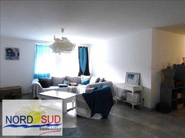 T4  - - 125 m² RDC + espace vert. Au Legeret. Axe Bitche Rohrbach~~Appartement en RDC composé:~d\'une entrée avec interphone, grande pièce de vie traversante avec cuisine équipée, 3 chambres, dégagement, salle d\'eau avec douche et meuble vasque. Parkings, espace vert~ Loyer  665 euros + 20 euros de charges. Contact Nord Sud Immobilier~ 03 72 64 01 02 <br/><br/>visite virtuelle<br/>https://app.immoviewer.com/portal/tour/2087732