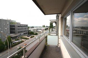 Appartement sis au 4ème étage (avec ascenseur) d\'une résidence à proximité du centre hospitalier de Luxembourg.  L\'appartement se compose comme suit: Un hall d\'entrée, un grand séjour avec accès sur le balcon, une cuisine séparée avec de l\'espace pour y installer une petite table, une chambre à coucher, un Wc séparé et une salle de douche.  Au niveau rez-de-chaussée se situe un garage individuel. Au niveau sous-sol se trouve une cave et la buanderie commune. Ref agence : ICL 861572