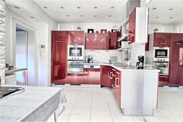 Veuillez contacter Enrico Xillo pour de plus amples informations : - T : 691 11 78 65 - E : enrico.xillo@remax.lu  RE/MAX, Spécialiste de l'immobilier à Luxembourg-ville, vous propose  en location, cet appartement complètement rénové, situé dans le quartier de Gasperich, à 5 minutes de la Cloche d'Or et proche d'autres commerces et de tous les arrêts de bus pour le centre. L'appartement est situé au rez-de-chaussée d'une petite résidence avec 4 appartements et dispose d'une surface habitable de 45 m², avec une belle chambre de 15 m², une cuisine ouverte sur le séjour faisant 25 m², une salle de bain de 5 m², des volets électriques dans toutes les pièces, et pour compléter ce bien, vous trouverez une terrasse extérieure de 12,60 m².  Idéal pour une personne ou une couple. Le bien est loué meublé et il se trouve disponible de suite. Possibilité de faire une location de 6 mois ou d'1 année selon votre nécessité. Pour des raisons de sécurité et pour bien vous protéger, vu la situation et le décret du gouvernement concernant le virus COVID-19, les visites seront uniquement possibles de manière virtuelle et non physique, et ce jusqu'à nouvel ordre. Nous pouvons tous continuer à travailler de loin, mais toujours ensemble et dans le respect. Merci de votre aimable compréhension. Pour tout renseignement n'hésitez pas à me contacter. #RESTEZ CHEZ VOUS#  Frais d'agence RE/MAX : 125 % du montant du loyer à la charge du locataire + TVA   ------------------------------- ENGLISH ----------------------------------  Please contact Mr. Enrico Xillo for further information: - Mobile: 691 11 78 65 - Email: enrico.xillo@remax.lu  RE/MAX, Real Estate Specialist in Luxembourg-city, suggests this renovated flat for rent. Located in the Gasperich district, it is situated 5 minutes away from the Cloche d'Or, and close to others shops and all bus stops to the center. The flat is located on the first floor of a small residence with 4 flats and has a living area of 45sqm, with a beautiful bedro