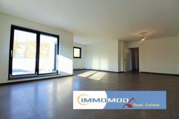 L'agence Immomod a le plaisir de vous proposer un duplex dans une nouvelle résidence à Welsdorf, complétement terminé à la fin de l'année 2016.  L'appartement se trouve au 1ère étage, il y a 3 ch. à c. de 20,64 m², 15,37 m² et 15,54 m², une salle de bains,une salle de douche, living de 45,67, cuisine 13,15 m²,un bureau de 9,80 m² et un WC séparé, et encore un grand grenier est à votre disposition.  La surface : 167,05 m² + la terrasse 13,42 m².  Une cuisine équipée et une cave sont inclus dans le prix.  Parking intérieur à 25 000 € TVA 17%.  Les emplacements extérieurs sont à 10 000 €  Le prix affiché avec une TVA de 17%, mais il y a encore une possibilité d'avoir le remboursement de 50 000 €.  Disponibilité : immédiate  Classe énergétique : B ; C  N'hésitez pas à nous contacter pour d'autres informations, réservations ou visites. Tyutyayev Stanislav : 691 92 54 85