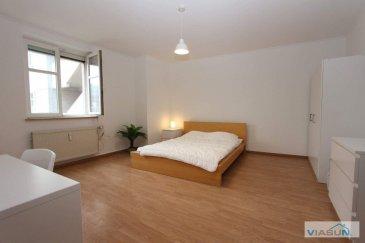 Bellissima Rooms vous propose à la location 3 chambres meublées situées dans un appartement au c½ur de Luxembourg Gasperich, à 5 minutes de la Cloche d\'Or et Bonnevoie et 10 minutes de Luxembourg centre ville. Un arrêt de bus se trouve à 2 minutes de marche de l\'appartement.<br><br>Vous trouverez à proximité de nombreux commerces (pharmacie, boulangerie \