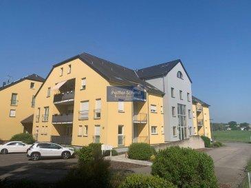 Bel appartement en parfait état, avec 2 balcons,<br>Construction traditionnelle,<br>Récupération de l`eau de pluie,<br>Panneaux solaires,<br>A 10 min de Mersch avec toutes ses commodités comme gare, grandes surfaces, pharmacies, médecins, etc...<br><br>A 20km de Lux-Ville<br>A 12km d\'Ettelbruck<br>A 15km de Diekirch