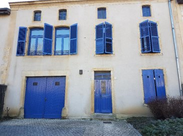 Maison  de village - Jouy Aux Arches. JOUY aux ARCHES -  Maison de village  époque 18ème siècle, 10 pièces,  à conforter avec belles possibilités d\'extension de la surface habitable.<br/>170 m² habitables - 100 m²  aménageables , le tout sur 880 m² de terrain.<br/>Cave - garage et combles .<br/>Toiture et façade refaites en 2005.<br/><br/> BEAU POTENTIEL<br/><br/>Contact ; Sandrine PERCEVAL   06.34.65.29.84<br/>                 sandrinep@mauricejobimmeubles.com<br/><br/><br/>
