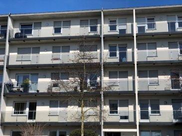 Superbe appartement dans une résidence soignée avec vue imprenable sur Rollingergrund et Limpertsberg. situé au Bd. Napoléon 38 dans la Résidence du Stade à Luxembourg-Belair avec parking dans le garage en commun. Cet appartement de 134m2 dispose: d'un hall d'entrée 12m2. Une cuisine équipée spacieuse 12,50m2 avec balcon. Un living en L spacieux 40m2  avec  vue dégagée et imprenable sur  Rollingergrund, Limpertsberg etc. Un hall de nuit avec placards et 3 chambres 1x 15m2 1x11,43m2 1x11,43m2 dont une avec placard. Chaque chambres disposent d'un accès sur la terrasse devant et sud. Une salle de douche, une wc séparé  et une salle de bains wc séparée. Un grand débarras avec placards et congélateur. L'ensemble soigné et d'un très grand confort. Au sous-sol un emplacement voiture dans le garage en commun. Une cave privée. et place lave-linge dans la buanderie en commun. Habitable 1 ou 15 juillet 20 18. Madame M. THILL se fera un plaisir pour vous guider lors d'une visite des lieux.  Tel. bureau M. THILL 661 36 5178 ou envoyer un message au bmthill@pt.lu