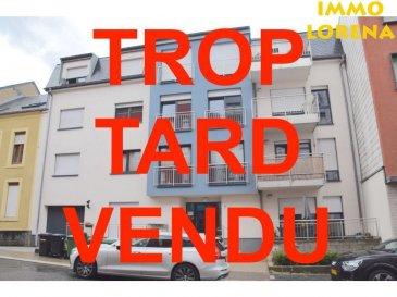 L'agence IMMOLORENA de Pétange a choisi pour vous un appartement à Rodange de 91 m2 au 1er étage avec ascenseur dans une petite copropriété de 10 unités, à proximité des commerces, transports en commun et toutes commodités, il se compose comme suit:  - Un hall d'entrée de 8,56 m2 - Cuisine toute équipée ouverte vers le double living  de 34,78 m2 donnant accès à la terrasse 4,40 m2 - Une chambre de 15 m2 - Une deuxième chambre de 20,30 m2 - Une salle de bain avec douche italienne de 7,70 m2 - Un wc séparé transformé en buanderie de 2,83 m2   L'appartement dispose également d'une  cave de 3,75 m2  A VOIR ABSOLUMENT!!!!  Pour tout contact:  Vitor Pires: +352 691 761 110   L'agence Immo Lorena est à votre disposition pour toutes vos recherches ainsi que pour vos transactions LOCATIONS ET VENTES au Luxembourg, en France et en Belgique. Nous sommes également ouverts les samedis de 10h à 19h sans interruption.