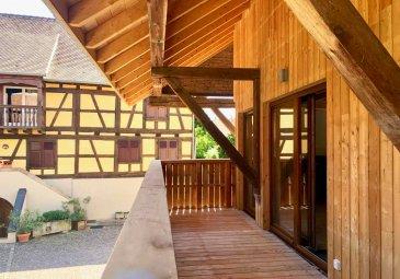 Neuf - Première occupation Au centre de Truchtersheim, dans un magnifique corps de ferme arboré, ce superbe appartement 3-4 pièces en duplex comprend : une entrée privative, un grand salon-salle à manger avec cuisine ouverte équipée, un grand balcon sur cour, deux chambres à l\'étage, salle de douche, wc séparé.  Une place de parking couverte peut être mise à disposition (+50€/mois). Chauffage et eau chaude individuels au gaz.