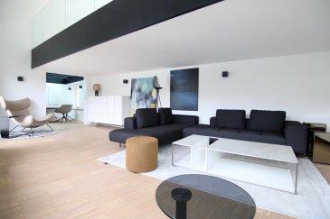 Fantastique penthouse de  /-110 m2, entièrement rénové et meublé, dans une résidence située à Luxembourg-Grund, 20, rue de Trèves, un quartier pittoresque et à quelques minutes à pied du centre-ville.  Le penthouse est situé au 3ième étage et se compose comme suit :  Rez-de-chaussée : - hall d'entrée, un grand espace living avec une cuisine entièrement équipée ouverte, une salle de douche ainsi qu'une chambres à coucher  Mezzanine / 1er étage : - passerelle vitrée donnant accès à la chambre principale qui vous séduira avec ses armoires encastrées fait sur mesure ainsi qu'un WC séparé la passerelle vous donne accès à une terrasse exceptionnelle, qui vous offre une vue imprenable sur ce beau quartier historique de la vieille ville de Luxembourg. De plus cet objet exceptionnelle vous offre un grand jardin vous offrant également une vue panoramique sur la vieille ville de Luxembourg.  Une cave privative complète ce magnifique ensemble.  Cette résidence historique avec sa situation géographique avantageuse et ses finitions de qualité, en font un objet rare.  Pour plus d'informations, veuillez contacter M. Jeff Krier au  352.691.112.993.