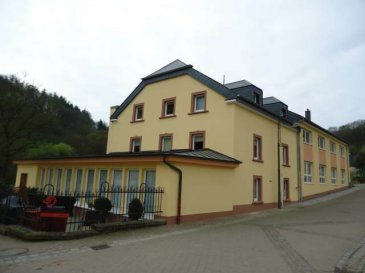 A WELSCHEID - 7 km d`Ettelbruck. Joli appartement de 120 m2. L`appartement se compose d`un hall d`entrée, d`un grand salon/salle à manger, 2 chambres à coucher, d`une pièce dressing, d`une cuisine équipée séparée, d`une salle de douche avec un emplacement pour la machine à laver, d`un wc séparé et d`une court avant.<br />Ref agence :5016603
