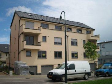 LEUDELANGE - Domaine Kirchepad L-3357 Leudelange A vendre dans Résidence Bi familiale (2007) --------------------- Appartement d'une surface habitable de 90.83 m2 (1ier étage) + Terrasse 20m2 + Jardin privatif + Double Garage fermé privatif. - Hall - Living avec terrasse - 1 cuisine équipée séparée - 2 chambres à coucher (parquet) - 1 salle d'eau comprenant une grande baignoire et un double lavabo. - 1 W.C. - 1 garage fermé (2 voitures) avec porte électrique - 1 cave individuelle avec buanderie privé ---------------------- Équipements : Alarme Double vitrage Volets électriques Chauffage au Gaz individuel Véranda très lumineuse Terrasse en teck