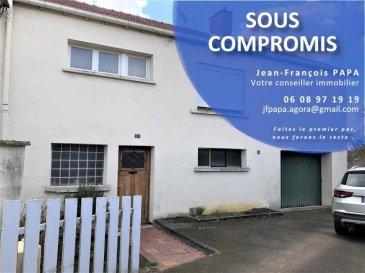 Dans une impasse sur Briey-Haut, venez découvrir cette maison jumelée comprenant :  au rez-de-chaussée un hall d'entrée, une chaufferie, une cave, un garage, une buanderie donnant accès au jardin, au premier étage, une cuisine, un salon, une salle de bain, trois chambres, des combles aménageables sur dalle le tout sur un terrain clos de 5.02 ares. TRAVAUX A PREVOIR  AGENCE AGORA BRIEY 03 82 20 25 26 PAPA Jean-François 06 08 97 19 19