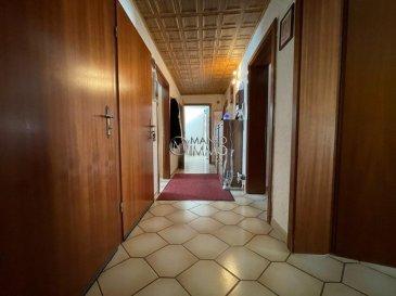 Manso Immo vous propose en exclusivité ce très grand appartement de 95m2, partiellement à rénover, dans une petite résidence de 3 unités, sans ascenseur, proche de toutes commodités (arrêt de bus, gare, école, supermarché etc…)   Il se compose d'un hall d'entrée, une cuisine équipée indépendante donnant accès sur une grande terrasse de +/- 20m2, 2 chambres à coucher, un living, une salle à manger, une salle de bain, une buanderie privé, un accès direct au grenier de 63.31m2 (possibilité d'aménager 2 chambres à coucher + une salle de douche).  Toutes les indications sont basées exclusivement sur les informations mises à notre disposition par nos clients. Nous n'assumons aucune garantie quant à l'exactitude et l'actualité de ces indications.  Les prix affichés s'entendent frais d'agence inclus de 3% + 17%TVA. Les honoraires d'agence sont à charge des vendeurs.  Pour plus d'informations, photos ou convenir d'un rendez-vous, vous pouvez nous contacter au : +352 24 51 33 79 info@mansoimmo.lu  Prix : 598.000 €