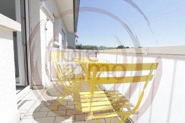 IDEAL POUR INVESTISSEURS !!!  Nous avons le plaisir de vous proposer à la vente, un très bel appartement totalement meublé et équipé, traversant et très lumineux d'une surface moyenne de 85 m2.  Situé dans une rue calme de Howald, dans la commune de Hesperange, il se compose comme suit :  - Large entrée, avec rangements intégrés ; - Double living ; - Cuisine séparée donnant sur le balcon exposé Sud -Est ; - 2 chambres ; - 1 Salle de douche ; - 1 Toilette séparée; - 1 Cave ; - Garage fermé (en option); - Petit jardin; - Grenier.  Détails : - Double vitrage ; - Porte blindée ; - Ascenseur.  Le bien est actuellement loué.  Situation proche du Bonnevoie et à quelques minutes de la Gare Centrale.  Pour plus de renseignements, veuillez contacter l'agence.<br />IDEAL FOR INVESTORS  !!!  We are pleased to offer you for sale, a beautiful apartment totally furnished and equipped, crossing and very bright with an average surface of 85 m2.  Located in a quiet street of Howald, in the Common of Hesperange, it is composed as follows:  - Large entrance, with built-in wardrobe; - Double living room; - Separate kitchen with the balcony facing South-East; - 2 bedrooms; - 1 Shower room; - 1 Separate toilet; - 1 Cellar; - Closed garage (optional); - Small garden; - Attic.  Details: - Double glazing; - Armoured door; - Elevator.  The property is currently rented.  Location near the Bonnevoie and a few minutes from the Central Station.  For more information, please contact the agency.