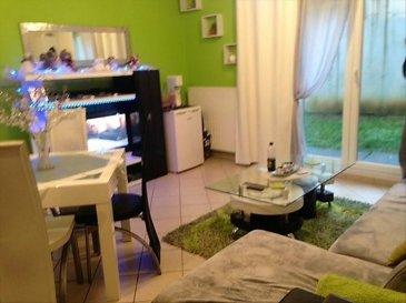 Guénange : Dans une copropriété bien entretenue, venez découvrir cet appartement F2 de 42,65 m² composé d\'une entrée, une salle de bains, toilettes, une chambre, une cuisine ouverte sur séjour&period;<br />Ce logement est actuellement loué 550 &apos; &plus; 50 &apos; de charges&period;<br />Copropriété de 35 lots&period;<br />1600 &apos; de charges annuelles dont 1100 &apos; locatives&period;