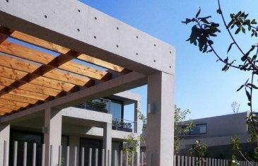 -- Ceci est une annonce fictive -- Residence ALTAIS : Vous serez séduits par cet ensemble résidentiel de trois étages seulement bénéficiant d'une architecture innovante de qualité. Les appartements du 3 au 5 pièces dont certains en duplex avec séjours double hauteur profitent d'un jardin privatif, d'un grand balcon ou d'une terrasse.
