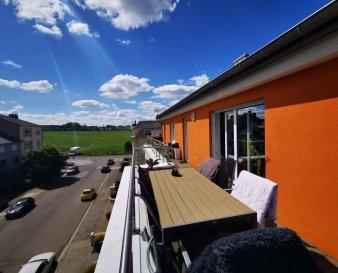 Dalpa SA vous propose à louer, un appartement en duplex de 2 chambres à coucher sur environ +/- 120 m², situé à Luxembourg-Bonnevoie.   Année de construction : 2012  Disponibilité : Juin 2020   L'objet se situe au : 58, rue Pont de Rémy, L-2423   Situé au 3ième étage l'appartement se compose :  -1 hall d'entrée -1 cuisine équipée ouverte -1 lumineux séjour donnant accès à une terrasse de +/- 40m²  -2 chambres -1 salle de bain avec WC -1 WC séparé  À l'étage supérieur vous trouverez également :  -1 chambre / bureau -1 salle de bain  -1 WC séparé  Au sous-sol une cave, ainsi qu'un emplacement de parking complètent ce bien.   Situé à quelques pas de la gare et du centre-ville de Luxembourg, Bonnevoie est un quartier résidentiel calme et multiculturel avec une qualité de vie considérable. Par ses accès faciles et proches des connexions de transports publics, autoroutes, nombreux commerces à proximité et ses espaces verts, Bonnevoie est devenu un des meilleurs quartiers pour y vivre.  Nous sommes à votre entière disposition pour tous renseignements complémentaires ou visites des lieux. Veuillez contacter Antonio Lobefaro sous le numéro + 352 621 469 311 ou par mail sur info@dalpa.lu   Si vous souhaitez vendre ou louer votre bien, nous mettons à votre disposition notre professionnalisme, savoir-faire ainsi que notre qualité de service. Nous vous proposons des estimations rapides, gratuites et réalistes.  ENGLISH VERSION  Dalpa SA offers for rent, an apartment of 2 bedrooms of +/- 120 m², located in Luxembourg-Bonnevoie.  Year of construction : 2012  Availability : June 2020  The object is located at: 58, rue Pont de Rémy, L-2423  Located on the 3rd floor, the apartment is composed as follows:  -1 entrance hall -1 equipped kitchen -1 luminous living room giving access to the balcony of +/- 40m² -2 bedrooms -1 bathroom with a WC  -1 guest WC   Upstairs you will find :  -1 bedroom / office -1 bathroom  -1 separate WC  In the basement a parking spot and a cellar complete this