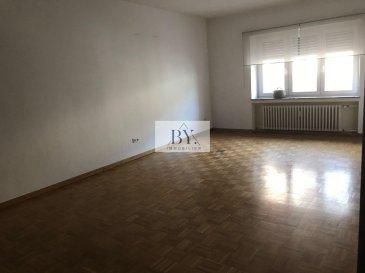 Tempocasa Strassen vous propose ce bel appartement situé dans une petite copropriété en plein coeur de Esch.<br>Il se compose d\'une cuisine indépendante avec accès balcon, deux chambre à coucher, une salle de bain, un grand living .<br>L\'appartement dispose d\'une cave privative.<br>Pour plus d\'informations contactez nous