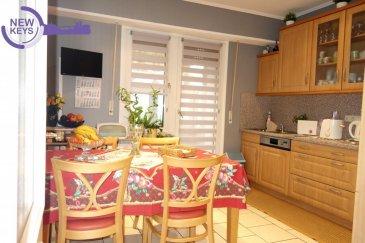 New Keys vous propose en exclusivité ce charmant appartement idéalement situé à Bonnevoie, au 1er étage d'une petite résidence de 4 unités.   L'appartement se présente comme suit:  - Hall d'entrée - Living lumineux - Cuisine équipée séparée avec balcon de+/- 2.5m2 (sur l'arrière de la résidence) - Salle de douche - 2 Chambres  à coucher  (14m2 et +/-13m2) - WC séparé  Pour compléter se bien vous profiterez d'un garage et d'une cave privative.  A proximité de toutes les commodités (gare,arrêt de bus, accès autoroutiers)  Pour plus de renseignements, et/ou demandes de visites, merci de nous contacter au 661 120 388 ou par email à l'adresse info@newkeys.lu