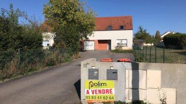 ENSEMBLE IMMOBILIER.     Spécial Investisseurs, lot de 2 maisons type F4 louées pour un rapport locatif annuel de 21780 EUR annuels pour l'ensemble.
