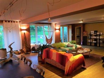 Maison écologique Breistroff. Cette demeure vous séduira  de suite par son ambiance douce et chaleureuse. Un grand espace \'\'cuisine, salon séjour \'\' de plus de 100 m² avec parquet massif ouvert sur le jardin. Une chambre parentale de 18 m² avec sdb attenante,( parquet bambou), bureau . Au 1 er diverses chambres, salle de bains ....  Matériaux écologique ( argile, bois ....)  . Grands garages .Possibilité de créer studio et appartement dans les annexes . Véritable coup de coeur pour les amoureux de bâtisses remaniées avec goût et soin de l\'environnement . A voir absolument . IMMODM 03 82 57 31 87  dont 3.60 % honoraires TTC à la charge de l\'acquéreur.
