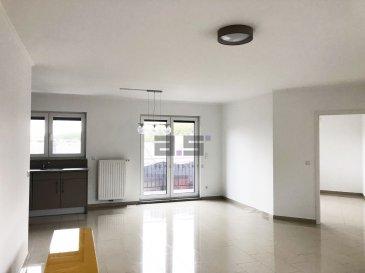 A.S. Real Estate, vous propose à la location un bel et lumineux appartement de 78,60 m² avec balcon situé dans une rue calme du Centre de Schifflange.  Celui-ci se compose d'un hall d'entrée, d'une grande chambre de +/- 17m², d'un bureau de +/- 8m², d'une cuisine équipée ouverte sur un grand living avec accès à un balcon de +/- 7,50m², d'une salle de douche avec w.c. et d'un débarras.  Une cave privative et un emplacement de parking intérieur complètent ce bien.  Pour tous renseignements ou pour convenir d'une éventuelle visite, veuillez nous contacter au (+352) 621 274 674