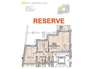 Votre agence IMMO LORENA de Pétange vous propose dans une résidence contemporaine en future construction de 13 unités sur 4 niveaux située à Rodange, 45 chemin de Brouck 1 appartement de 68.74 m2 au PREMIER ETAGE avec ascenseur décomposé de la façon suivante:  - Hall d'entrée de 5.48 m2 - Salle de bain de 4.25 m2  - Un WC sépare de 1,71 m2  - Un débarras de 1,36 m2 - Cuisine ouverte et salon de 30,35 m2 donnant accès au balcon de 5,29 m2. - Une première chambre de 15,12 m2, une deuxième chambre de 9,25 m2 - Une cave privative et un emplacement pour lave-linge et sèche-linge au sous sol. Possibilité d'acquérir un emplacement intérieur (25.000 €) ou un garage fermé intérieur (35.000€).  Cette résidence de performance énergétique AB construite selon les règles de l'art associe une qualité de haut standing à une construction traditionnelle luxembourgeoise, châssis en PVC triple vitrage, ventilation double flux, chauffage au sol, video - parlophone, système domotique, etc... Avec des pièces de vie aux beaux volumes et lumineuses grâce à de belles baies vitrées.  Ces biens constituent entres autre de par leur situation, un excellent investissement. Le prix comprend les garanties biennales et décennales et une TVA à 3%. Livraison prévue septembre 2021.  Pour tout contact: Joanna RICKAL +352 621 36 56 40 Vitor Pires: +352 691 761 110   L'agence Immo Lorena est à votre disposition pour toutes vos recherches ainsi que pour vos transactions LOCATIONS ET VENTES au Luxembourg, en France et en Belgique. Nous sommes également ouverts les samedis de 10h à 19h sans interruption. Demander plus d'informations