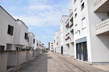 Cet appartement de ± 80 m2, semi-meublé, situé au second étage d'une agréable résidence, offre une vue dégagée et panoramique sur Wasserbillig. Il est très aisé de rejoindre à pied l'Esplanade de la Moselle depuis la résidence.  Il est composé comme suit:  Un hall d'entrée ± 5m² dessert le séjour ± 30m² avec accès au balcon couvert ± 10m², à la cuisine indépendante, équipée et aménagée ±9m², Un couloir de nuit conduit à deux chambres à coucher, non meublées, d'environ 9 et 14m², à la salle de bains ±7m² comprenant baignoire, double vasques et wc, et enfin à une pièce de rangement ±2m².  La location inclut également 1 emplacement de parking (F18), une place dans la buanderie commune (1er à gauche en seconde ligne), avec machine à laver et sèche-linge et enfin une cave privative ±5m² (première à gauche avec prise électrique), l'ensemble étant situé au rez-de-chaussée.  Généralités:  - Appartement meublé sauf les 2 chambres; - Porte sécurisée 3 points; - Volets électriques; - Animaux admis ; - Appartement non-fumeur ; - Bien situé, dans zone résidentielle, esplanade de la Moselle très proche ; - Loyer: 1350€/mois - Charges: 200€/mois- Caution: 2 mois de loyer ; - Frais d'agence: 1 mois de loyer + TVA - Wasserbillig est une commune très agréable et calme offrant tous les services de proximité, transports, gare, écoles, axes autoroutiers, proche de l'aéroport et des Institutions européennes, sans parler de la pêche et des belles randonnées.