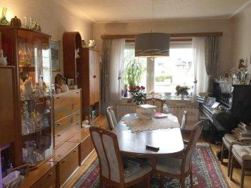 Homeseek Belair, Alain Maeck (+352 621 317 226 ou amaeck@homeseek.lu) vous proposent :  Une très belle et grande maison, libre des 3 côtés, 5 chambres, 2 sdb et avec un magnifique jardin arboré. Sur la commune de Soleuvre dans une rue calme (zone 30) et proche d'Esch.   Vous trouverez au Rdc : - Un hall d'entrée - Un Living - Une cuisine équipée donnant accès sur un balcon et l'accès du jardin à l'arrière de la maison - Une chambre à coucher - Une salle de bain avec baignoire, douche, WC et lavabo  Nous montons au 1er étage : - Un Living, avec rétroprojecteur Home-Cinéma, donnant accès vers un balcon avec marquise électrique et éclairages encastrés - Une Cuisine équipée donnant aussi accès au  balcon - Une chambre à coucher - Une salle de bain avec baignoire, douche, WC et double lavabo  Nous continuons au 2ème :  - 3 chambres à coucher dont une chambre ayant son propre WC et lavabo  - 2 bureaux -  Avec air conditionnée   Au sous-sol : - Accès jardin - Espace de stockage - Atelier - Grande buanderie - Chaufferie  Ce bien est en dalles bétons, volets électriques, sous sol complétement aménagé.  N'hésitez pas à nous contacter  pour  plus d'informations ou pour prendre rendez-vous. Contact :  Alain Maeck +352 621 317 226) et Magalie Bernard (+352 691 924 224).  Découvrez tous nos biens sur www.homeseek.lu Si vous souhaitez vendre ou louer votre bien immobilier, profitez également de notre qualité de service et de notre expérience pour obtenir une estimation précise dans les meilleurs délais. Ref agence :4919583-HB-AM