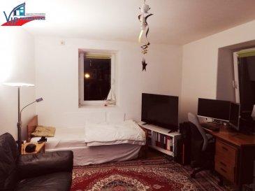 CHAMBRE meublée avec salle de bains en COMMUN.   - Loyer + charges : 570 Euros  - Caution : 1140 Euros  - Commission d'agence : 666,90 Euros (570 + 17% TVA)