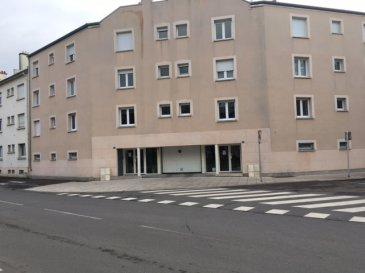 Place de parking située au rez de chaussée fermé d'une résidence Accès par porte de garage motorisée.  charges trimestrielles: 32€ impôts fonciers  : 60€