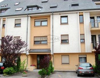 ELSA\'HOME vous propose à la location appartement, au rez-de-chaussée d\'une résidence située à Mersch.<br><br>Ce appartement vous offre une surface de +/- 32m² et se compose de la manière suivant: <br><br>- hall/couloir, <br>- cuisine équipée, <br>- chambre à coucher, <br>- salle de douche,<br>- cave privative,<br>- buanderie.<br><br>Disponibilité : 1er décembre 2021<br><br>L\'appartement jouit d\'une bonne situation géographique, il est proche de toutes commodités.<br><br>Pour toutes questions ou demandes d\'informations, n\'hésitez garage pas à nous contacter, nous serons toujours à votre service.<br><br>Agence ELSA\'HOME à votre écoute pour la concrétisation de vos projets en toute confiance.