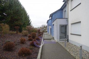 New Keys vous propose ce très bel appartement situé dans un impasse à Canach, commune de Lenningen   Cet charmant appartement de  /- 60m2 se composé de la manière suivante:    -Hall d'entrée; -Living  /- 20 m2 avec accès au jardin -Cuisine équipée  /- 10m2 -Chambre avec salle de douche  /- 20m2 -wc   Pour compléter le bien: -Terrasse de  /- 20m2 -Jardin de  /- 60m2 -1 emplacement intérieur -1 emplacement extérieur  -cave de  /- 4m2 -buanderie comune   Transports/Bus -lignes 140 Kirchberg                           -lignes 150 Luxembourg Ville  N'hésitez pas à nous contacter au 352 621 647 509 ou par email ahenriques@newkeys.lu pour des informations complémentaires ou pour visiter le bien. Les prix s'entendent frais d'agence de 3 % TVA 17 % inclus dans le prix et payable par le vendeur.  Nous recherchons en permanence pour la vente et pour la location, des appartements, maisons, terrains à bâtir pour notre clientèle déjà existante. N'hésitez pas à nous contacter si vous avez un bien pour la vente ou la location. Estimation gratuites.   Ref agence :B5003372
