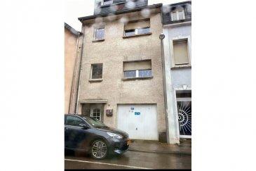 RE/MAX, spécialiste de l'immobilier au Luxembourg ,vous présente à la vente cette charmante maison en plein centre de Differdange.   Elle se compose comme suit :  REZ DE CHAUSSEE: - Hall d'entré - Garage  - Cuisine - Salon  1er ETAGE  : - Hall de nuit  - Chambre à coucher - Salle à manger  - Salle de douche  2ème ETAGE : - Hall de nuit  - 3 Chambres à coucher  3ème ETAGE : - Hall de nuit  - 2 Chambres à coucher  - Bureau  SOUS SOL : - Local technique et buanderie  - Cave (chambre) - Cave (Salle de sport) - Cave  - Terrasse et débarras  TERRAIN DE 1a84ca