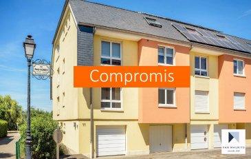 ***SOUS COMPROMIS***SOUS COMPROMIS***SOUS COMPROMIS***  Situé à Howald, dans une rue calme et sans issue, à proximité du Ban de Gasperich, ce beau duplex libre de 3 côtés dispose d'une surface habitablede ± 175m² et se compose commesuit:  Au2ème étage, l'entrée ± 5 m²avec vestiaire et wc séparé dessert un séjour ± 38 m² donnant sur une terrasse ± 11 m² et une cuisine séparée ± 21 m²s'ouvrant sur une salle à manger ± 26 m².  Au3èmeétage, un palier ± 9 m²dessert en étoile deux chambres de ± 13 m² chacune, la chambre parentale ± 21 m² avec salle de bain en suite ± 6 m² et une salle de douche ± 5 m² (deux lavabos encastrés, sèche-serviettes et wc). Un grenier ± 8 m² complète l'appartement.  Au rez-de-chaussée, un accès vers un petit jardin commun à l'immeuble, ainsi que vers un garage, une cave privative et la chaufferie complètent l'offre.  Généralités :  •Appartement en parfait état – au calme ; •Double vitrage – châssis pvc – volets électriques avec télécommande centralisée ou séparément ; •Chauffage au gaz ; •Beau petit jardin et agréable terrasse exposée Est avec vue sur le parc d'Howald ; •Ecoles, crèches, petits commerces, parcs et bois pour belles promenades, ... à proximité ; •Quartier bien desservi par les transports en commun, a proximité du quartier Cloche d'Or.  Agent responsable du dossier : Florian Apolinario  GSM :(+352) 691 110 397  E-mail :florian@vanmaurits.lu