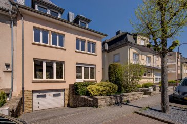 L'agence S&B IMMOBILIERE a le plaisir de vous proposer une maison jumelée à rénover, libre des 3 côtés et répartie sur 3 étages, offrant une surface habitable d'environ 205 m2 et s'étend sur un terrain de 03,04 ares.  L'immeuble est situé à Helmsange, faisant partie de la commune de Walferdange (Grand-Duché de Luxembourg), à proximités des commerces, écoles, forêts, bien desservi par les transports en commun avec accès sur les grandes axes routiers et à 10 minutes du centre de Luxembourg.   Le rez-de-chaussée offre un hall d'entrée, une cuisine séparée, un WC séparé, un spacieux living avec accès à terrasse et jardin.  Le premier étage est composé de 4 chambres à coucher, un WC séparé et une salle de bain.  Le deuxième et dernier étage dispose actuellement d'un grand séjour, avec possibilité d'aménager une suite parentale avec dressing et salle de bain.  Pour d'autres renseignements, respectivement pour fixer un rendez-vous, veuillez nous contacter au numéro +352 691 11 06 06 / 7j/7j et jours fériés!!  Prière de respecter les mesures COVID-19 !!  Frais d'agence à charge du vendeur.  Vente exclusive par S&B IMMOBILIERE S.à r.l.  Découvrez tous nos biens sur www.sb-immo.lu
