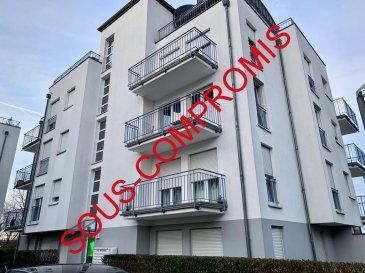 *** SOUS-COMPROMIS ***  RE/MAX Partners Plus, spécialiste de l'immobilier à Niederkorn, vous propose en exclusivité ce joli appartement moderne et lumineux de 2 chambres de 2006, dans une résidence soignée et une rue ultra-résidentielle. Il dispose d'une superficie habitable d'environ 75 m². De très beaux volumes s'offrent à vous, et se compose comme suit :  - D'un vaste hall d'entrée avec placards intégrés, - D'une cuisine équipée fonctionnelle et indépendante (full électroménager),  - D'un spacieux living lumineux donnant accès sur la terrasse avec vue dégagée, - Deux chambres à coucher, - D'une salle de douche, WC et buanderie privative, - D'un WC séparé - D'une cave privative, - Un parking intérieur privatif avec porte automatique télécommandée, - Une buanderie (séchoir) commune, et un local poubelle complètent cet appartement.  Extérieur : emplacements destinés aux occupants devant la résidence.  Très bel appartement, soigné, lumineux, fonctionnel, porte d'entrée de sécurité, visiophone, volets électriques.  Proche de toutes commodités : parking au pied de l'immeuble, bus, station essence, crèche à 2 min à pieds, écoles, centre-ville, surface commerciale CACTUS Bascharage à 5 min en voiture, banques,, etcà.  A visiterà.  Disponibilité à convenir.  CONTACT : MICHAEL CHARLON au 621 612 887 ou par Mail : michael.charlon@remax.lu Ref agence :5096006